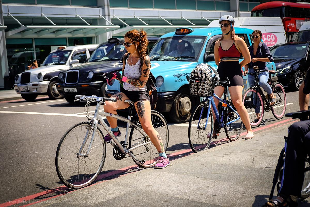 Lost in London - Women on bikes